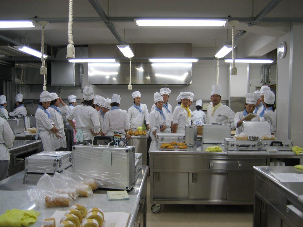 名古屋製菓専門学校授業